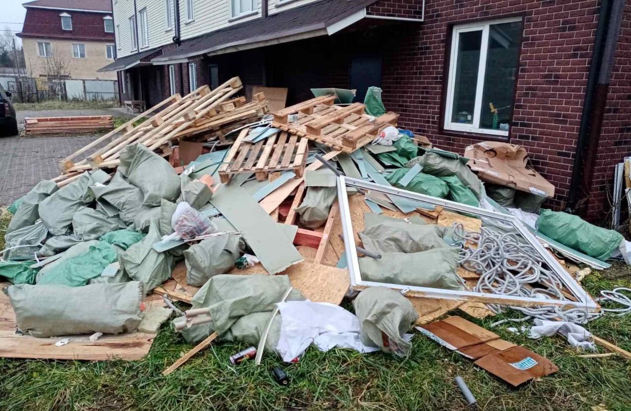 Вывоз мусора в Павловске